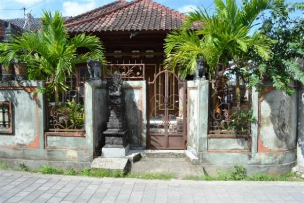Rumah Dijual di Dalung Badung – R1048
