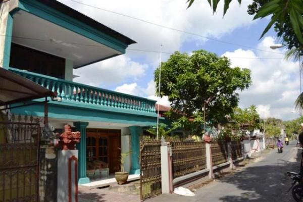 Dijual rumah di Denpasar Jl. Cokro Aminoto – R1006