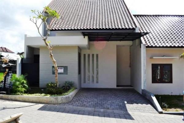 Dikontrakan rumah Full furnish di Kerobokan – Bali R1056