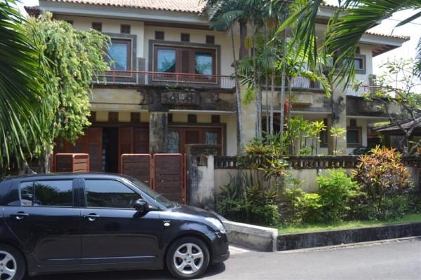 Dijual rumah di denpasar mewah full Furnish lingkungan elit – R1088