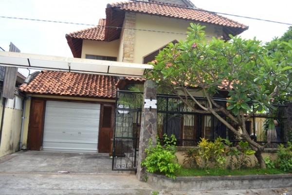 Disewakan Rumah di Denpasar, cocok untuk kantor, pusat kota Renon – R1105