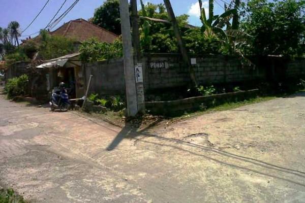 Tanah dijual di Jimbaran, lokasi strategis – T1043