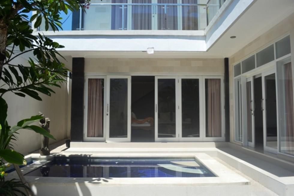 Villa dijual di Seminyak lokasi strategis di Jantung Kota – R1114