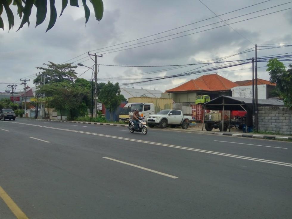 Dijual Tanah Strategis Samping Jalan Raya Utama di Cargo Permai