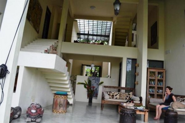 Dijual Villa dengan View Sungai dan Tebing di Ubud Bali – VJUB002B