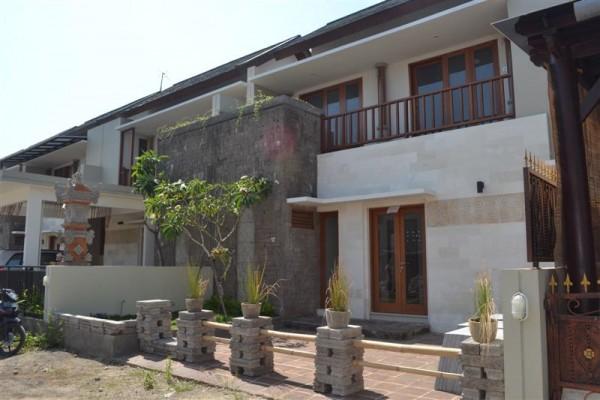 Disewakan rumah style villa lokasi denpasar timur R1090