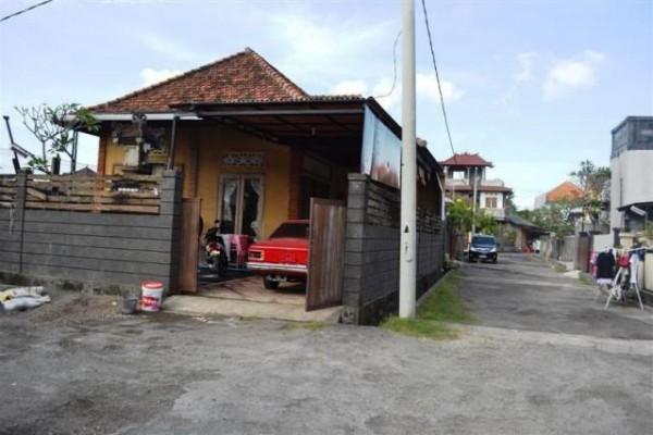 Rumah Disewakan di Denpasar Bali – R1037B
