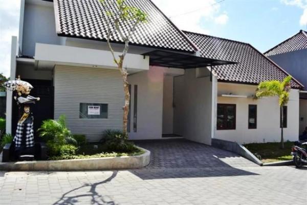 Dikontrakan rumah Full furnish di Kerobokan  Bali – ( R1056 )