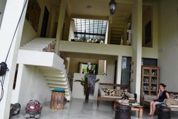 Villa dijual di Ubud view bagus lingkungan sawah – VJUB002