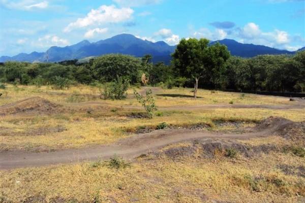 Tanah dijual di Singaraja Bali, lingkungan hotel dekat pantai T1044