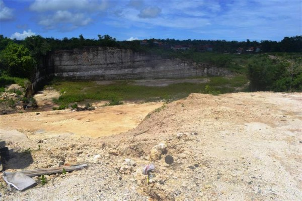 Tanah dijual di Jimbaran, view bukit lingkungan Villa TJJI024