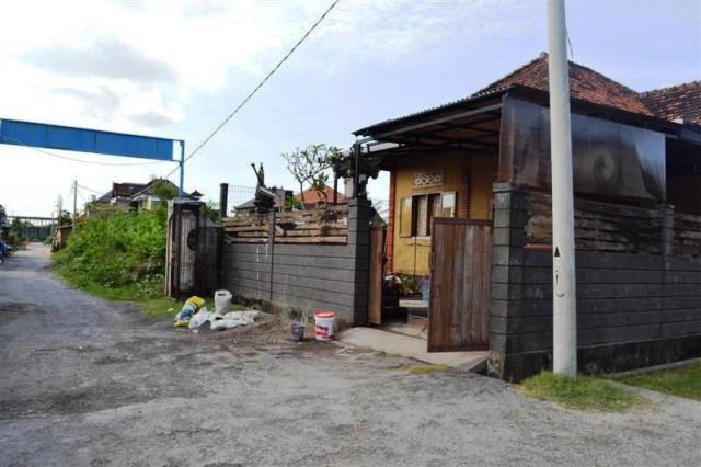 Rumah Disewakan Di Denpasar - (R1037B)