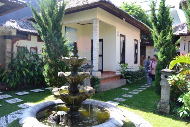 Jual Tanah di Canggu Bali 5 are dengan bangunan villa view sungai dan sawah - TJCG050