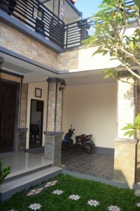 Dijual Rumah, Lokasi Strategis (R1136)